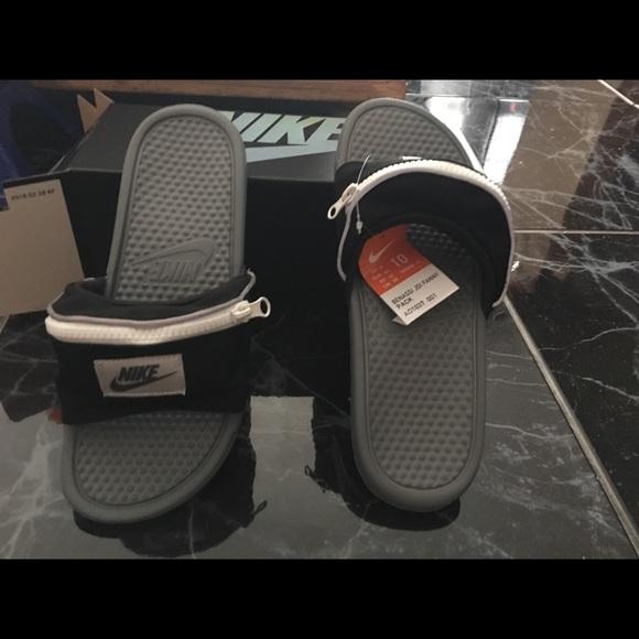 5ed19211454299 Nike Benassi fanny pack slides